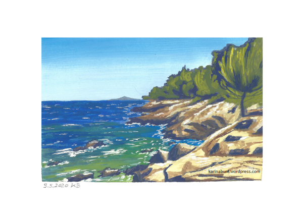 Felsküste u. Klippen und Bäume am Strand